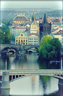 Средняя дневная температура воздуха в июне в Праге + 22 °C.