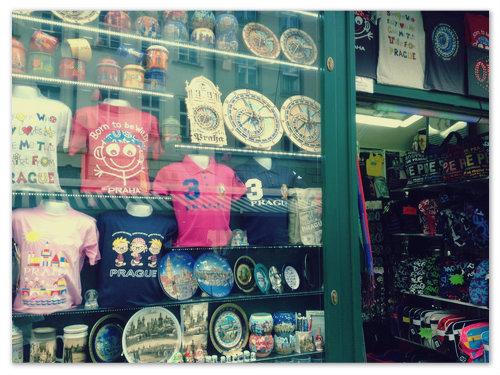 Сувениры в чешских магазинах.