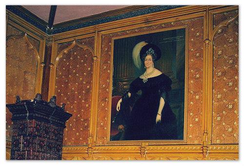 Берты Роган — дочь бывшего владельца замка, чей призрак живёт там сейчас.