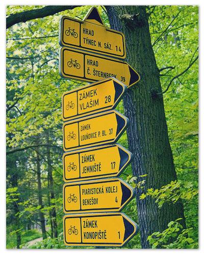 Культура и мода велосипедных прогулок в Чехии находятся на высоком уровне. Указатель: до Конопиште — 1 км.