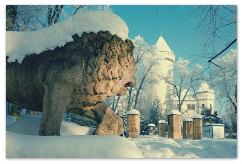 Зимой замок особенно красив.