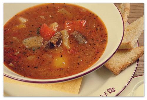 Как приготовить суп-гуляш? Сраринный чешский рецепт.