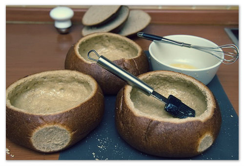 Хлеб обязательно должен быть свежим.