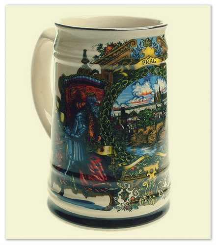 Пивная кружка — сувенир из Праги.