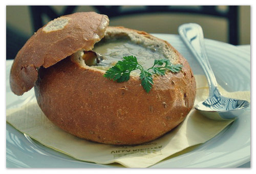 Суп в хлебе - чешские рецепты: как приготовить, с чем подавать и где попробовать в Праге?