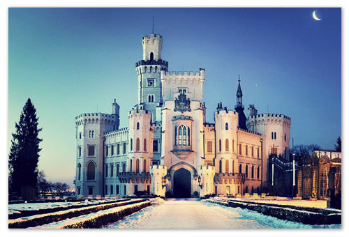 Зимней порой, когда над замком спускается ночь...