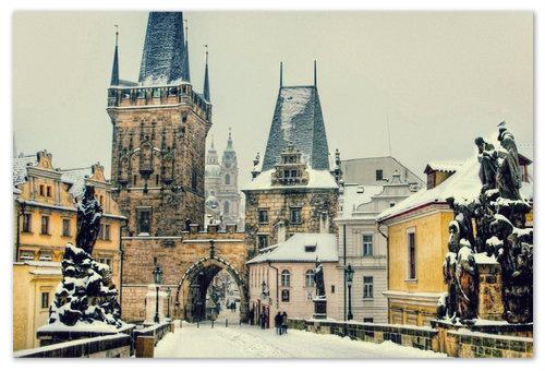 Прогуливаясь по Карлову мосту, припорошенному декабрьским снежком...