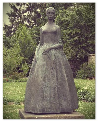 В Чехии в местечке Česká Skalice есть музей Божены Немцовой. Возле него есть третий памятник писательнице.