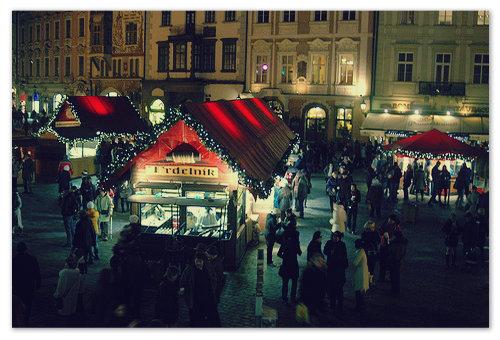 Побывать в рождественской Праге и не съесть трдельник — это маленькое преступление. Так что, ешьте!