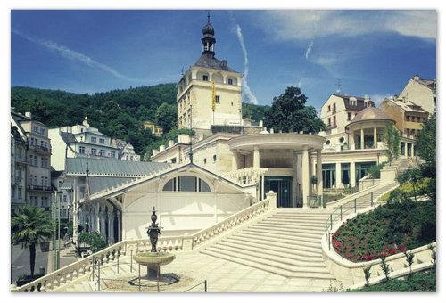 Старейшая постройка в городе — Замковая башня.