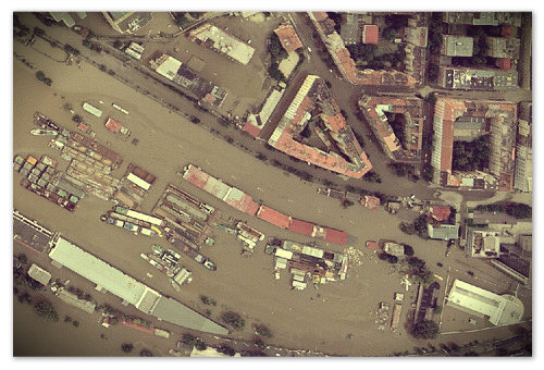 Прага в августе 2002 — снимок со спутника.