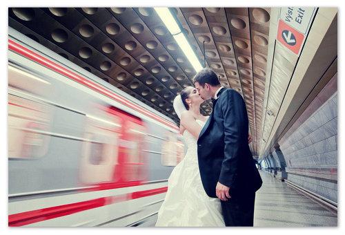 Свадебные поцелуй в Чехии.