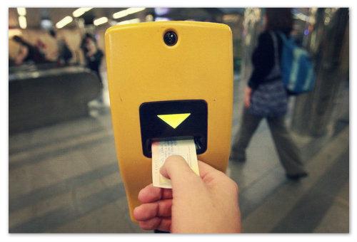 Пробивайте ваши билеты, чтобы не было проблем с контролёрами.