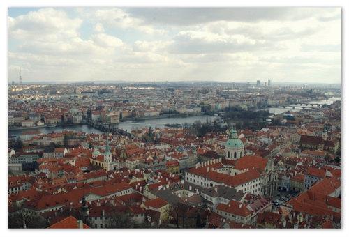 Вид на Прагу со смотровой площадки Собора Святого Вита.