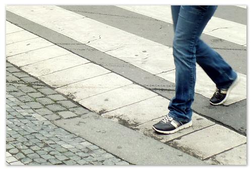 Возьмите с собой кроссовки — ногам должно быть удобно.