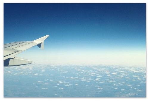 Летим на самолёте.