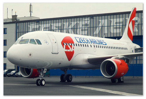 Воздушное судно Чешских авиалиний с логотипом на борту.