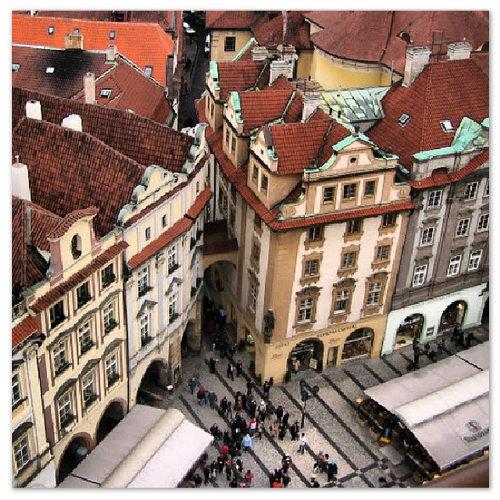 Вид с башни Староместской ратуши.