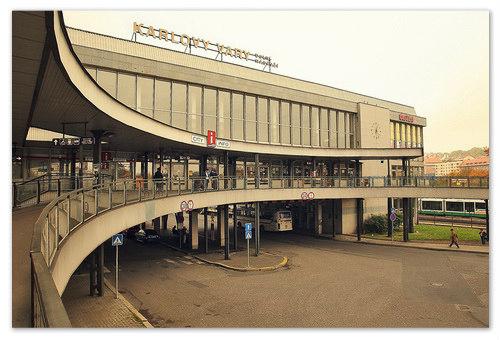 Железнодорожный вокзал в Карловых Варах.