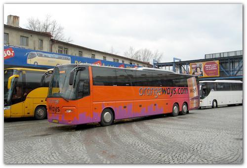 Автобус Orange Ways.