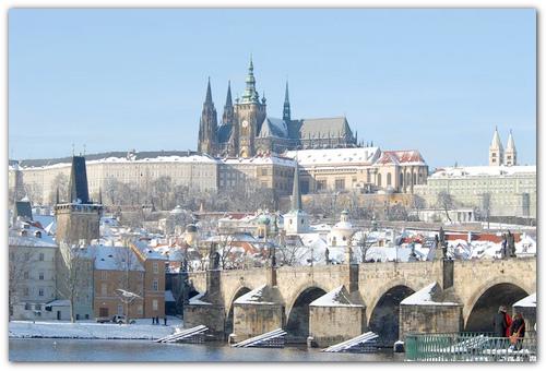 Снег в Праге.