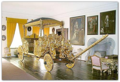 Золотая карета.