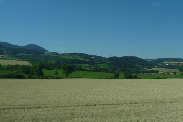 Поля и холмы где-то между Чехией и Германией.