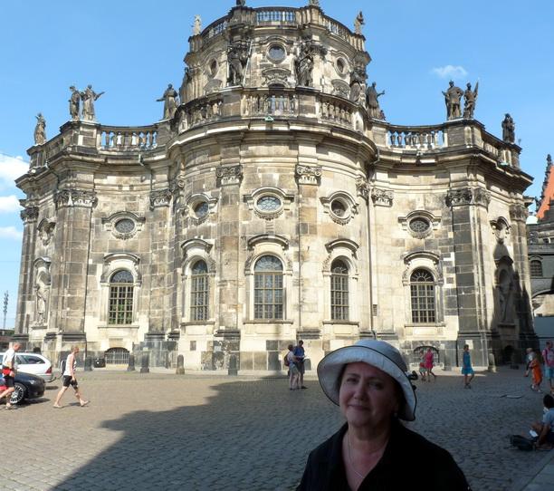 Hofkirche в Дрездене.