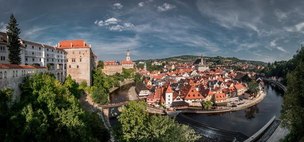Отзывы туристов об экскурсионном туре из Праги в замок Глубока над Влтавой и Чешский Крумлов.