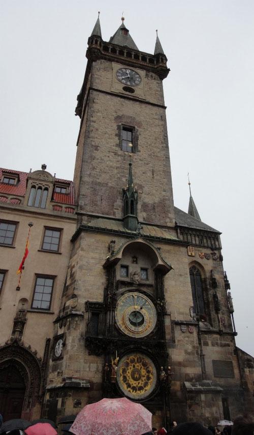 Часы на башне.