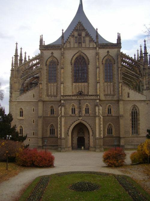 Красивый собор — достопримечательность Кутной Горы.