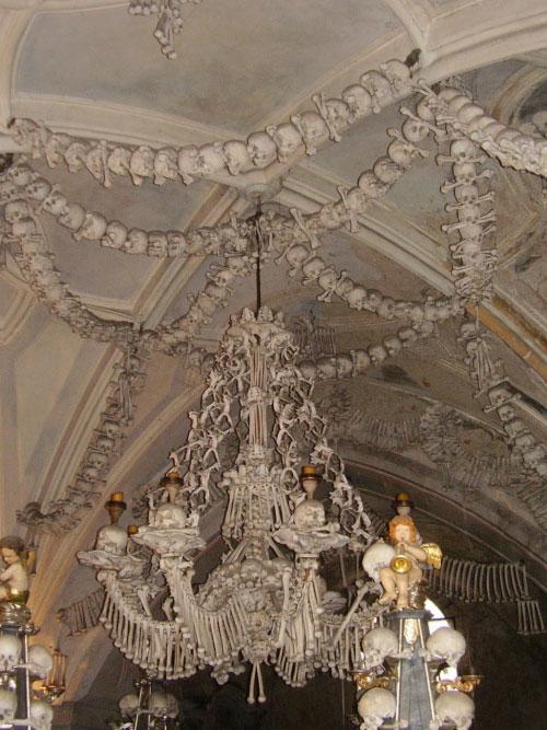 Хранилище костей в Чехии.