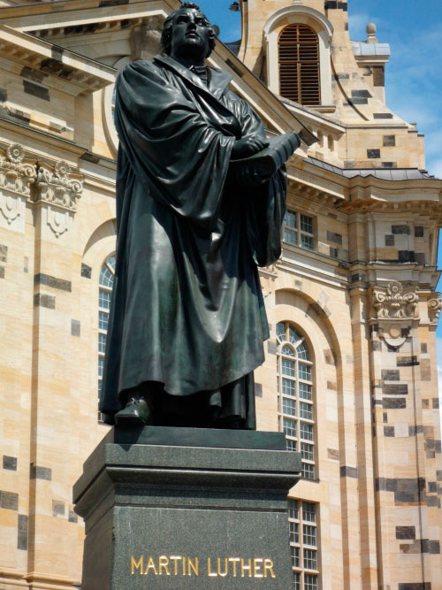 Мартин Лютер.