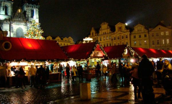 Ярмарка в Праге на Рождество.