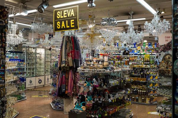 Сувенирный магазин в Праге.