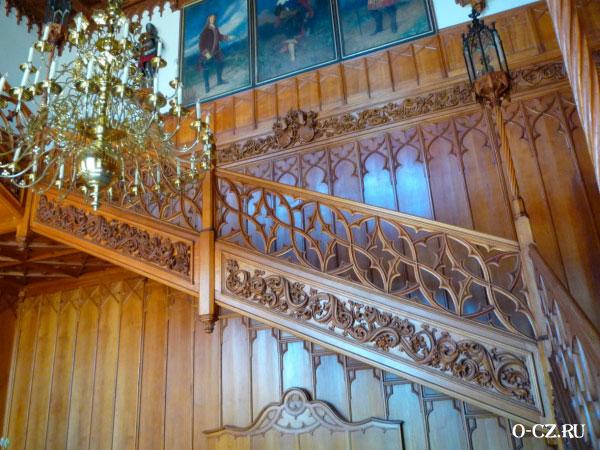 Лестница между этажами.