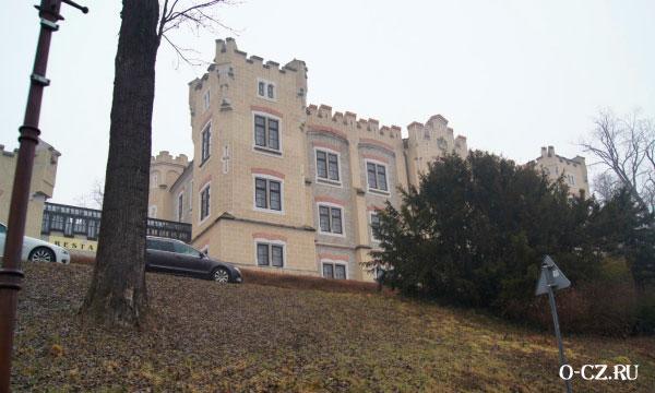 Замок на холме.